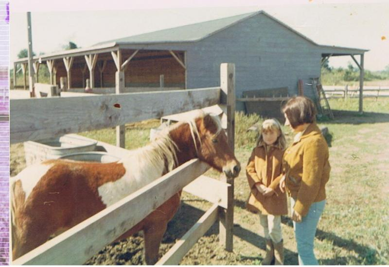 Young_Lenore_with_horses.27100910_std